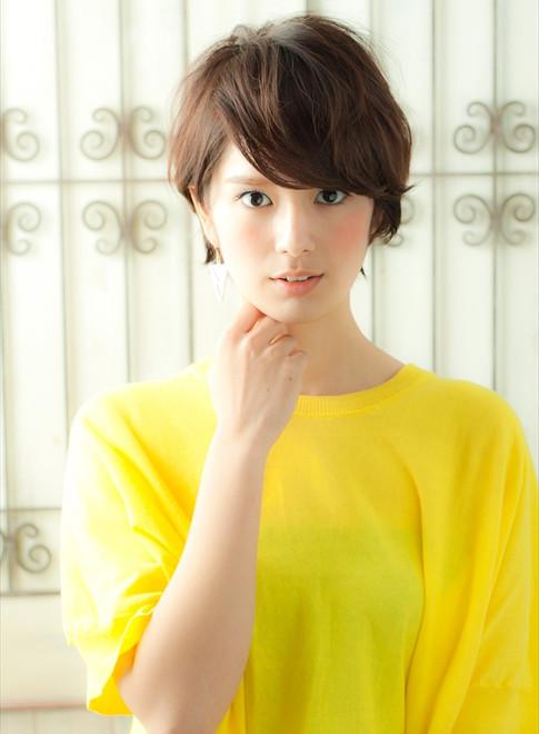 30・40代滝川クリステル風美人ショート(髪型ショートヘア)