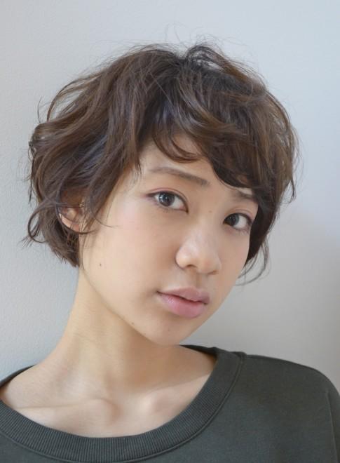 【DECO】くせ毛風ニュアンスショート(髪型ショートヘア)