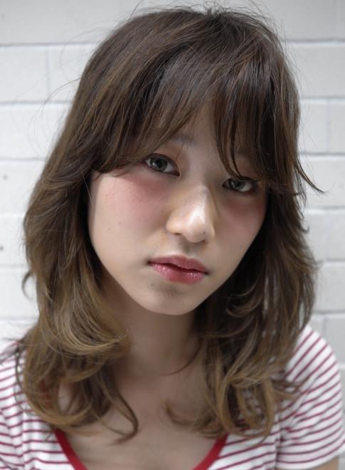 グラデーションカラーで大人美人(髪型ミディアム)