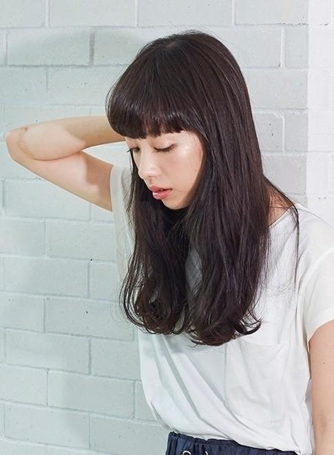 艶ゆるパーマが大人可愛い(髪型ロング)