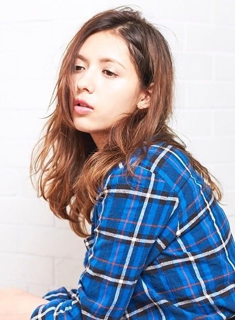 オトナのグラマラススタイル(髪型ロング)