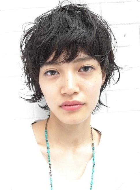 大人のカジュアルパーマスタイル(髪型ショートヘア)