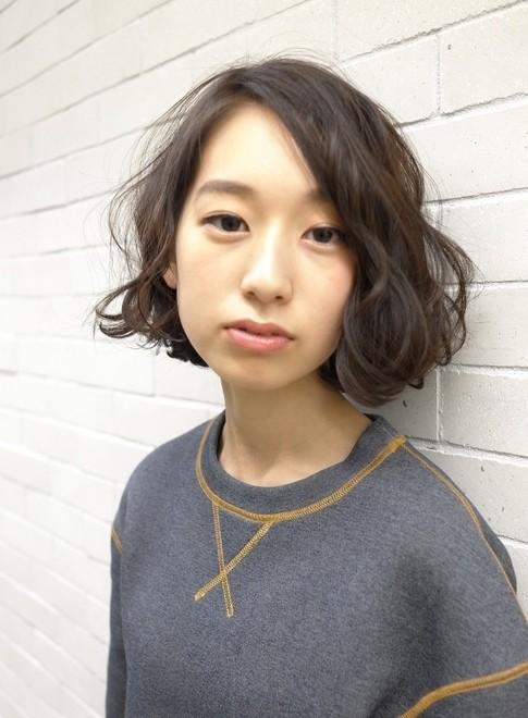 柔らかいパーマスタイル(髪型ボブ)