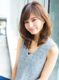 大人気ひし形シルエットミディ(髪型ミディアム)