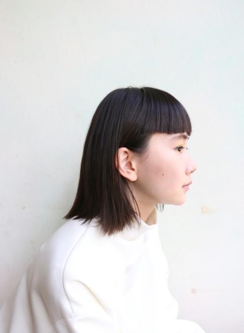 切りっぱなしボブ×ショートバング(髪型ミディアム)