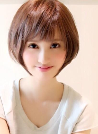 大人女性・後頭部が綺麗に見えるスタイル(髪型ボブ)
