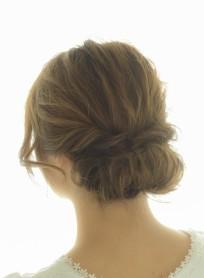 ギブソンタック風ヘアアレンジスタイル(髪型ミディアム)