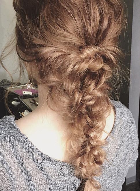 編み込みダウンスタイル(髪型ロング)