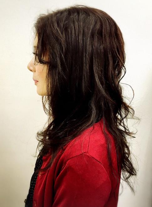 大人の艶ほつれウェーブ(髪型ミディアム)