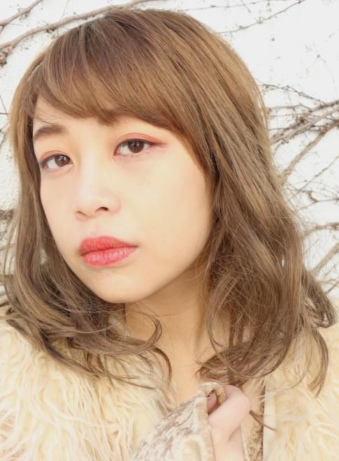 ゆるミディ×眉バング(髪型ミディアム)