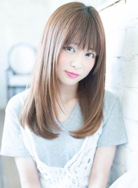 髪型 ロング ストレート 前髪あり