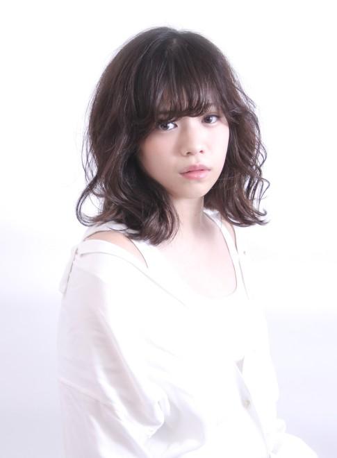 リラックスウェーブ(髪型ミディアム)