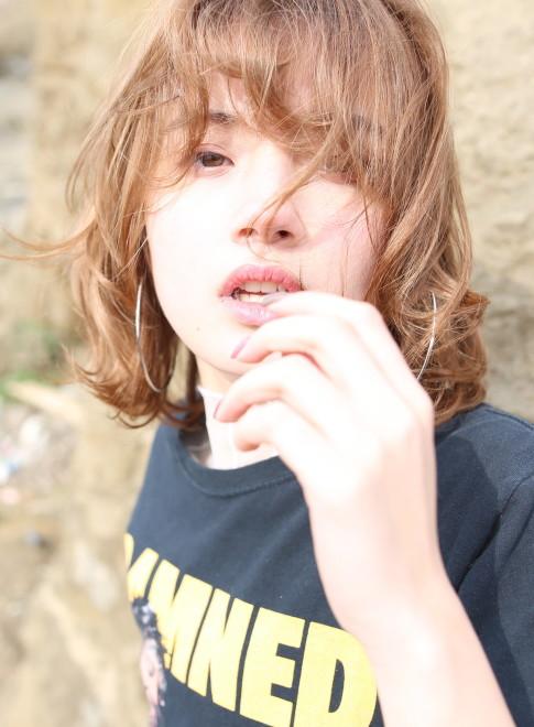 外国人風レイヤーボブ(髪型ボブ)