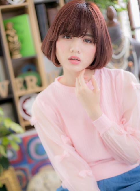 髪色にポイント☆シンプルボブ