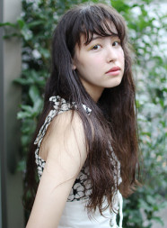くせ毛ロング(パーマなし)×ウェットヘア