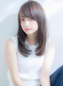 柔らか透明感ストレート(髪型ロング)