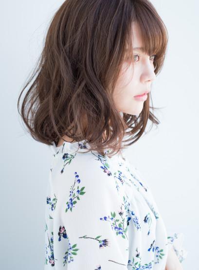 大人カジュアルウェーブミディ(髪型ミディアム)