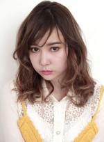 ゆるカールミディアム(髪型ミディアム)