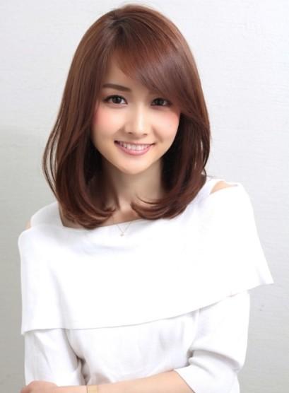 大人かわいい小顔ヘア(髪型ミディアム)