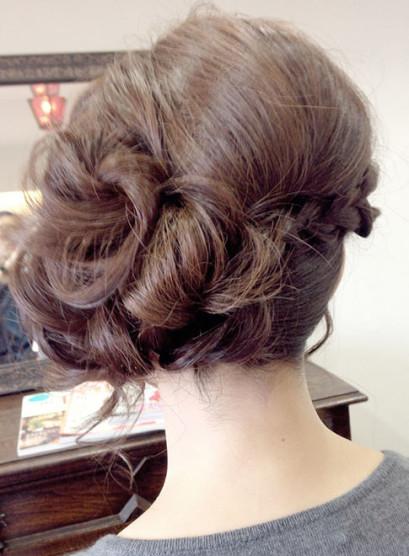 エレガントなクラシカルアップ(髪型セミロング)