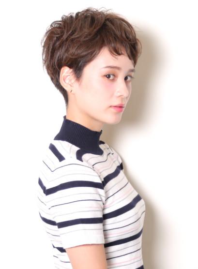 大人のフレンチ・ジェンダーレスショート(髪型ベリーショート)