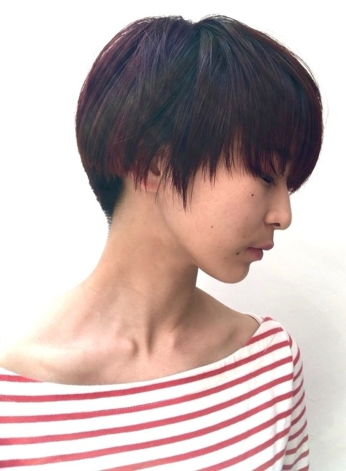 髪型女性ベリーショート