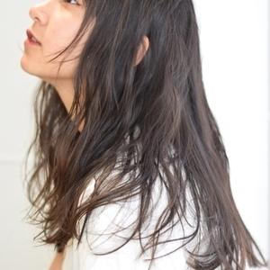 30~40代白髪が増えてきたけど白髪染めは抵抗が、、、そんな方にお勧めの人気カラーリング方法!