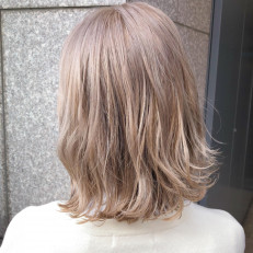ベージュ 色 ティー ミルク 髪