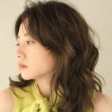 可愛らしく華やかに!!色気もプラス♡ミディアムレイヤー×パーマのヘアカタログ。