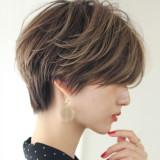 *美しいくびれショートヘア15選*
