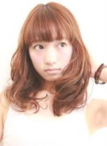 ホリデー(髪型セミロング)