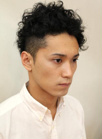 メンズ アシンメトリー 髪型