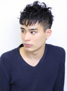 黒髪 刈り上げ メンズヘアスタイル