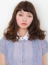 『ナチュラル』Aラインミディアム(髪型セミロング)