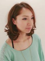 耳かけふわふわボブ(髪型ミディアム)