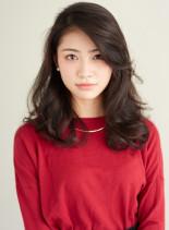 前髪長めロングパーマスタイル(髪型ロング)