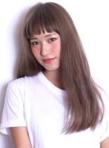 ☆外国人風アッシュベージュカラー(髪型ロング)