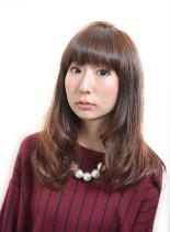 グラdeドール(髪型ミディアム)