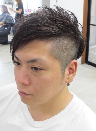 5 個性派ツーブロック(髪型メンズ)