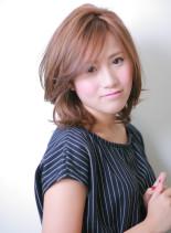ツヤカラー+エアリーフォルムの黄金コンビ(髪型ミディアム)