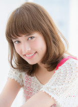 大人可愛いカジュアル小顔フェミニンミディ(髪型ミディアム)