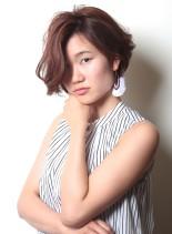 動きのあるクールBOBSTYLE(髪型ショートヘア)
