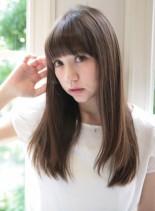 ナチュラルストレートヘア(髪型ロング)