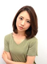 ふんわりエレガンスボブ(髪型ミディアム)