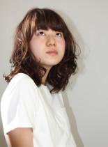 カーリーミディ(髪型ミディアム)