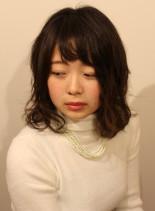 ふんわりミディのシースルーバング(髪型ミディアム)