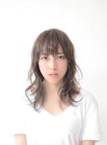 アンニュイ・ニュートラルベージュ(髪型ロング)