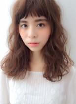 ウェーブパーマスタイル(髪型セミロング)