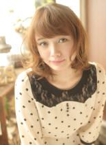ヨーロピアン少女のカリーナミディ(髪型ミディアム)