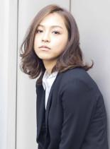 働く女性にオススメオフィスパーマスタイル(髪型ミディアム)